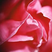 NOTES of pink rose and peony perfume this fragrance with the richness of an innocent fantasy.